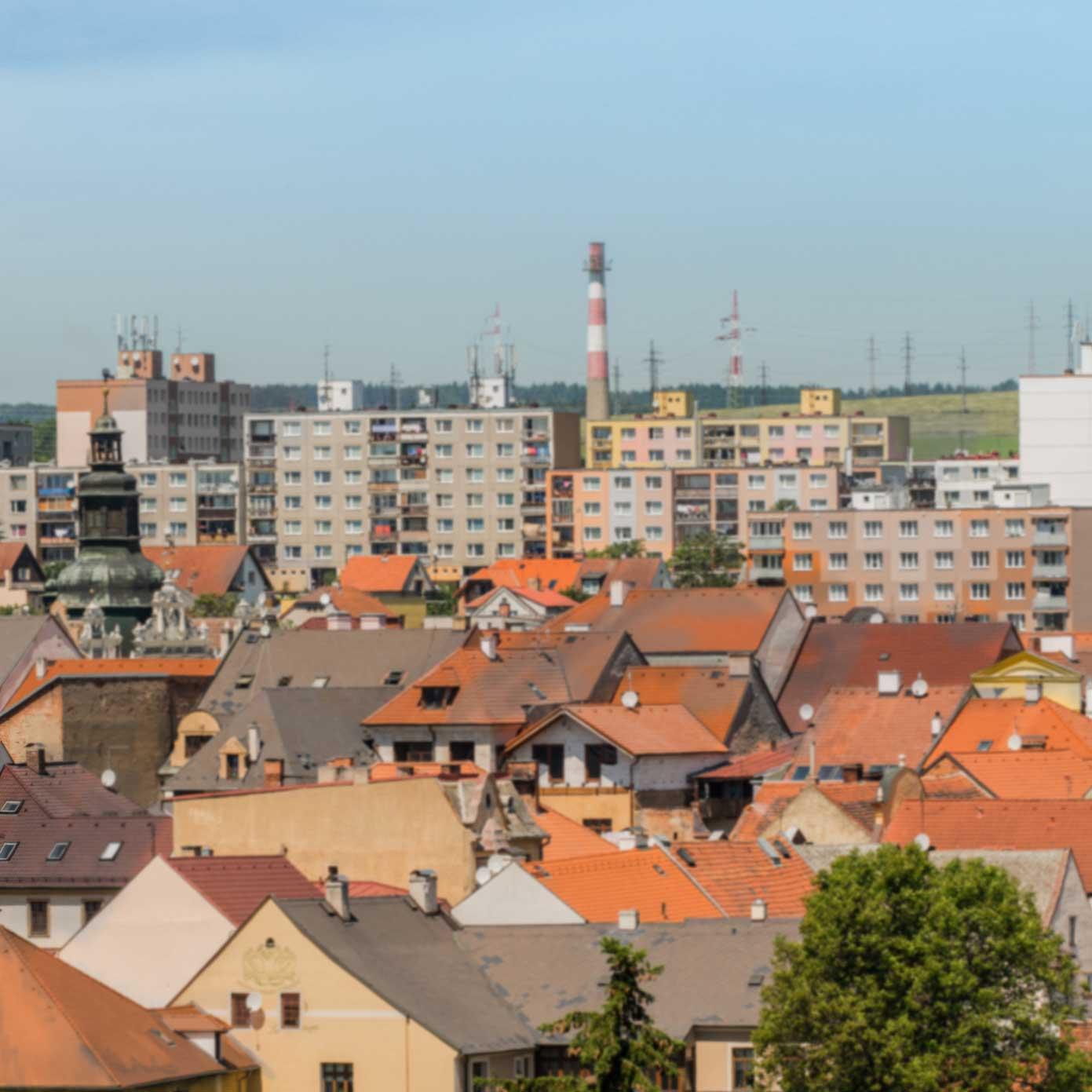 Kleinstadt im Osten – Modellbahn Hintergrund 300cm x 50 cm 3
