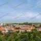 Modellbahn-Kulisse zeigt eine Kleinstadt, ähnlich DDR oder Osten