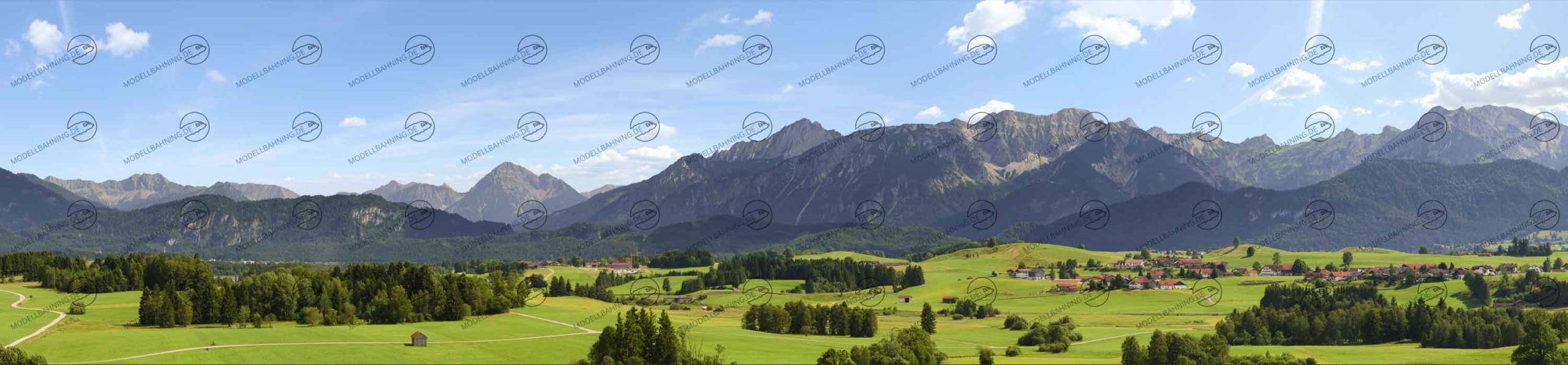 """Allgäu Teil 2 """"Wiesen vor Alpenpanorama"""" – Modellbahn Hintergrund 300cm x 70 cm 1"""