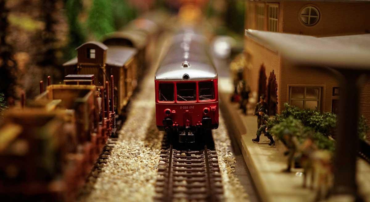 model-train-modellbahn-gleisplaene-maerklin-low2 3