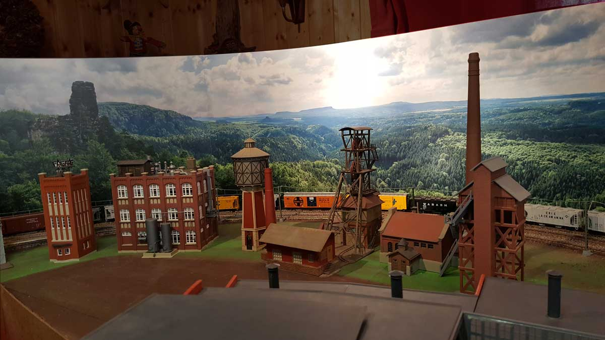 modellbahn-hintergrund-von-modellbahning-christian-toelg-001 3