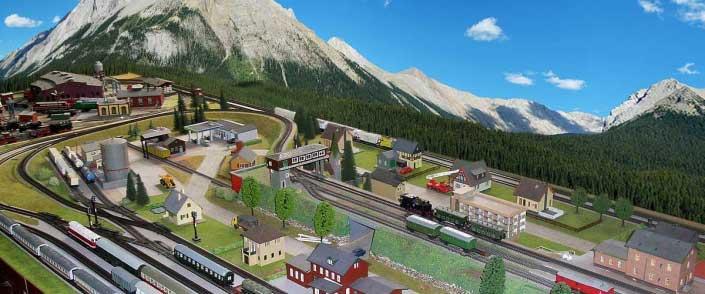 Hintergrundgestaltung auf der Modellbahn vorher - nachher