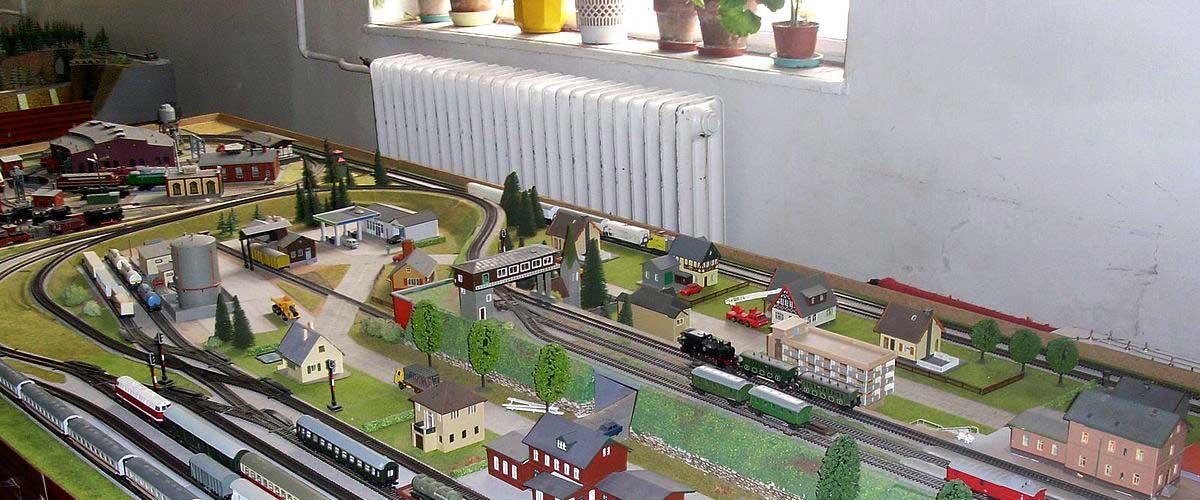 Hintergrundgestaltung für die  Modelleisenbahn 1